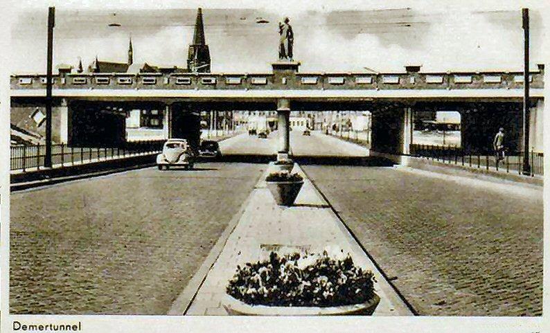 Boschdijk viaduct 01.jpg
