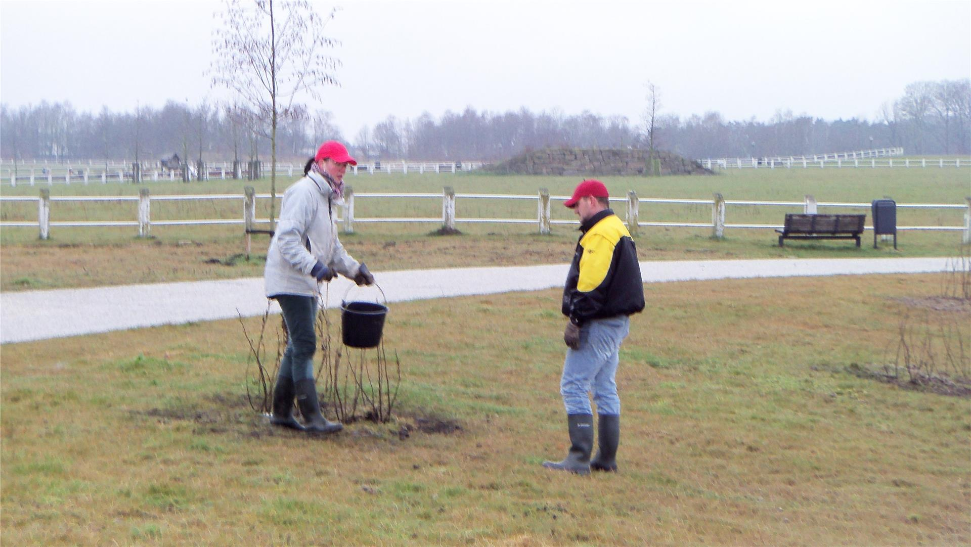 160325 Planten met Eetbaar Park Meerhoven 2.JPG